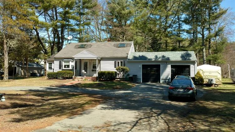 106 County Rd, Freetown, MA 02717