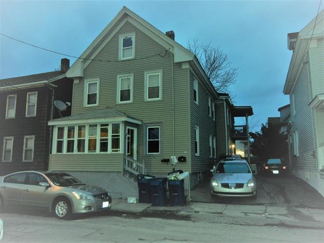 13 Bunkerhill St, Lawrence, MA 01841