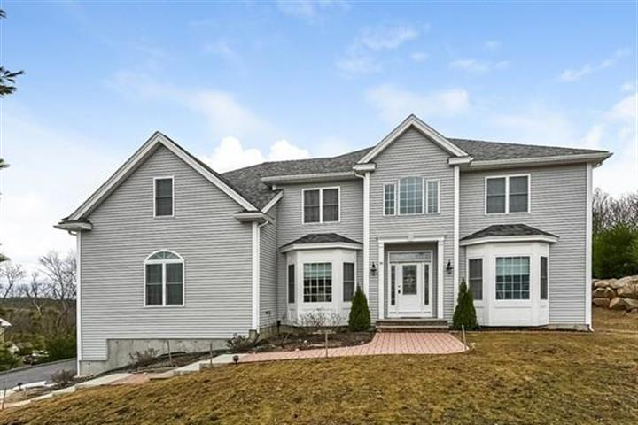 95 Mohawk Path, Holliston, MA 01746