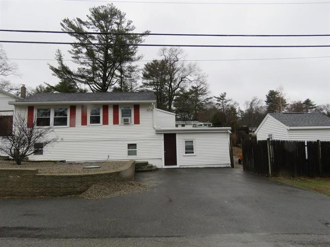 7 Central Ave, Lakeville, MA 02347