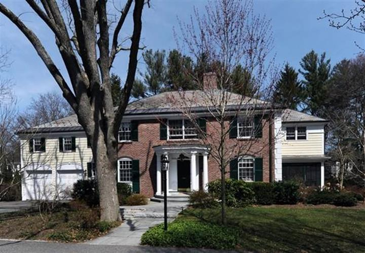91 Arnold Rd, Wellesley, MA 02481