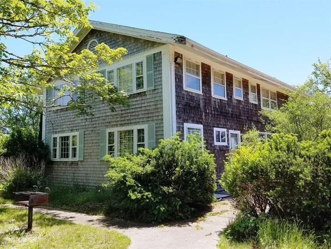 872 Route 28, Harwich Port, MA 02646