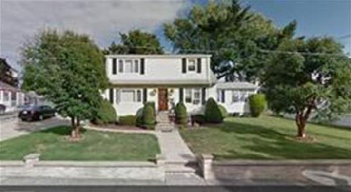 708 South Almond, Fall River, MA 02724