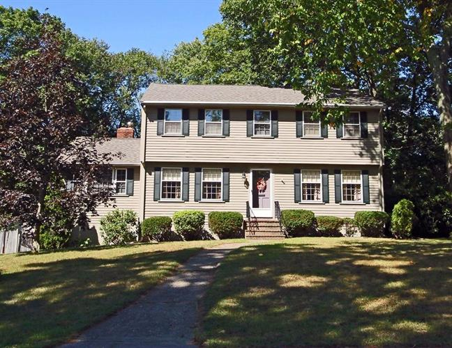 148 Old Country Way, Braintree, MA 02184