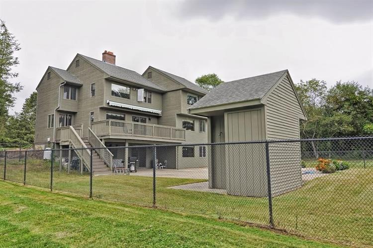 775 Central St, Holliston, MA 01746
