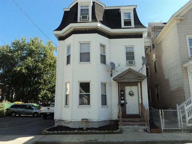 7 Hall St, Lawrence, MA 01841