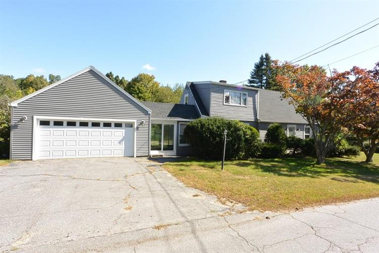 82 Kendall Hill Rd, Sterling, MA 01564