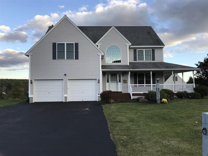 82 Macintosh Lane, Fitchburg, MA 01420