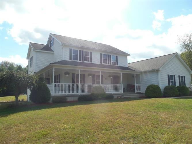 14 Lee Rd, Ware, MA 01082