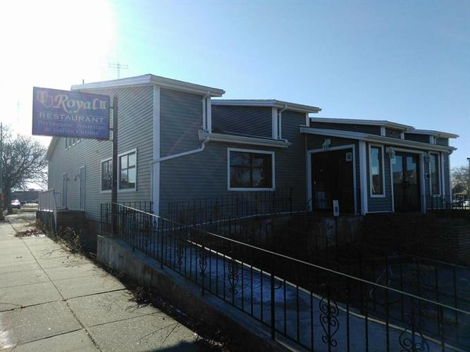 123 Macarthur Dr, New Bedford, MA 02740