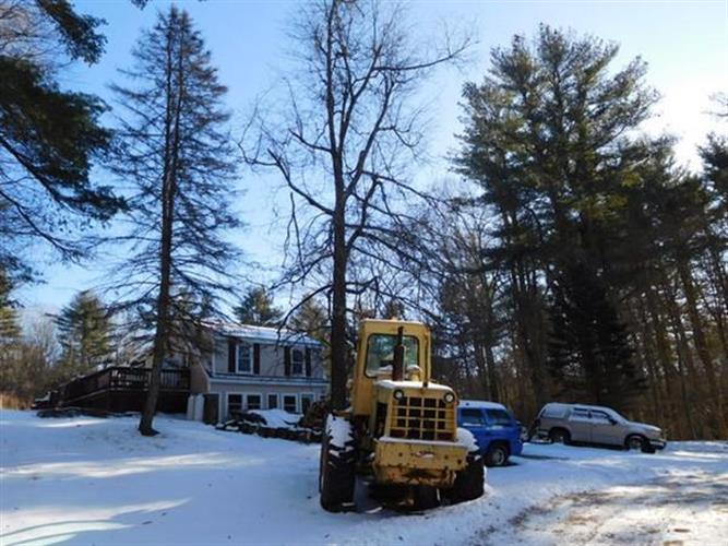 44 Little Alum Road, Brimfield, MA 01010