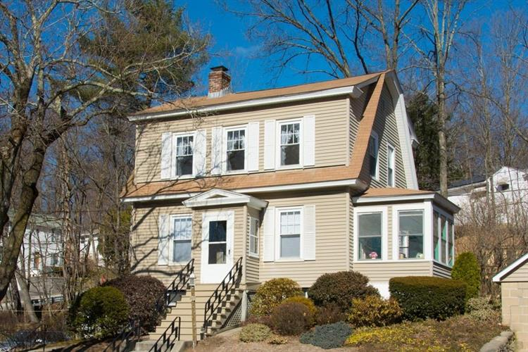 583 Chandler St, Worcester, MA 01602
