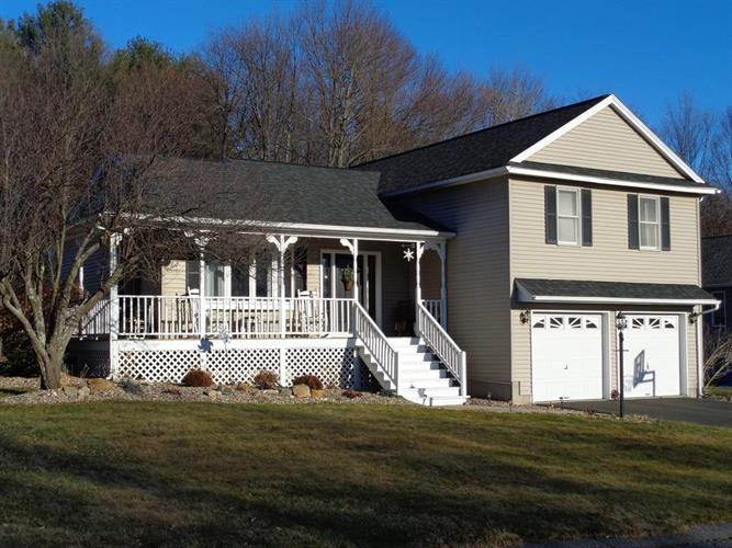 140 Overlook Dr, Ludlow, MA 01056