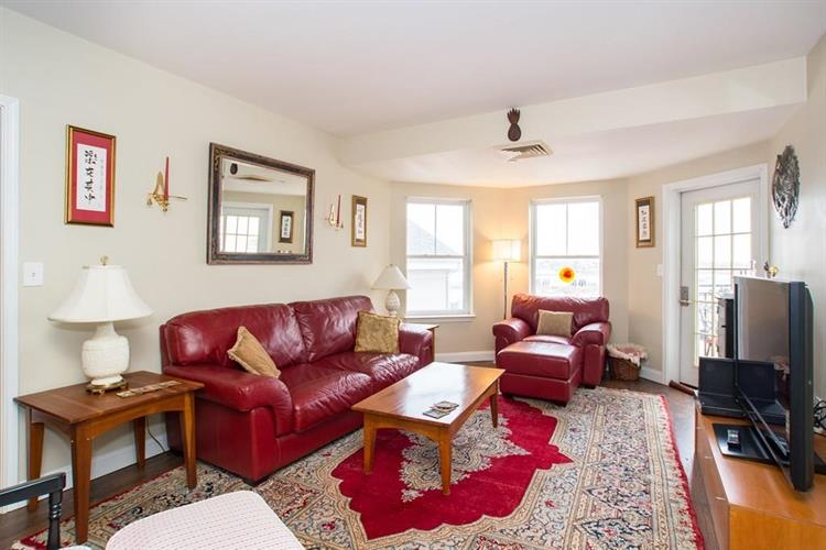 10 Seaport Dr, Quincy, MA 02171