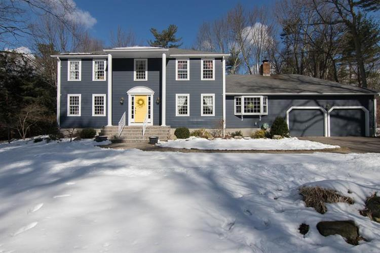 4 Massachusetts Ave, Norfolk, MA 02056