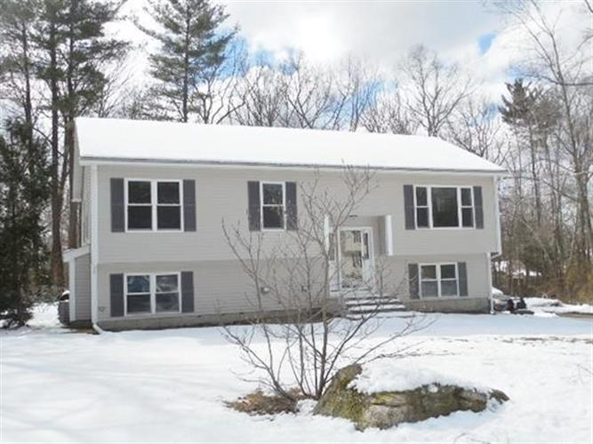 61 Tracey Dr, Northbridge, MA 01588