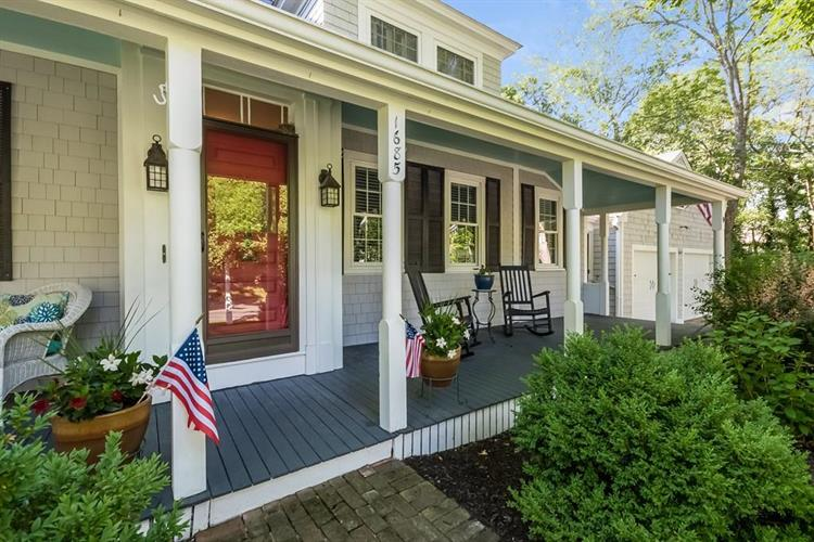 1685 Hyannis Rd, Barnstable, MA 02630