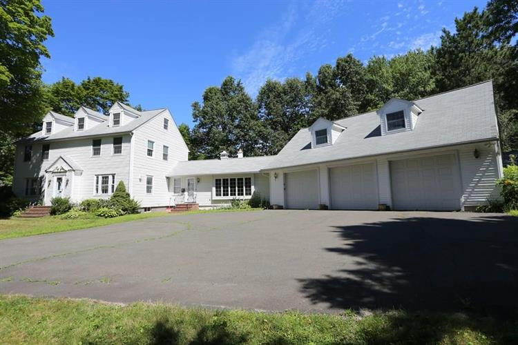 3 Chestnut Hill Road, South Hadley, MA 01075