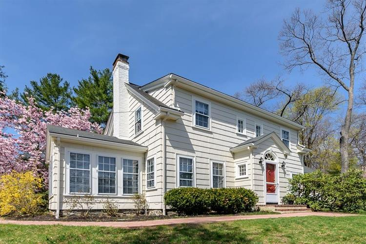 45 Upland Road West, Arlington, MA 02474