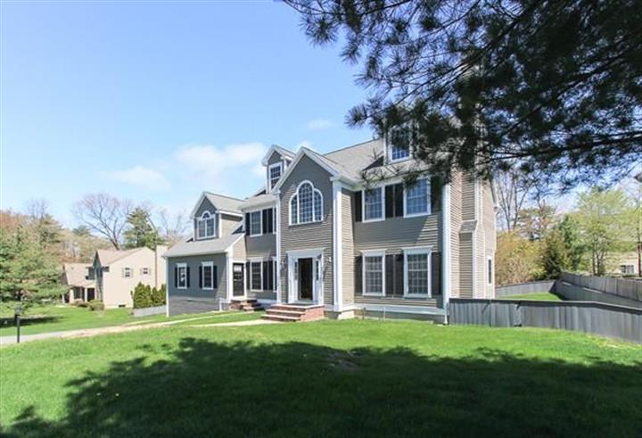 1 SHANNON LANE, Beverly, MA 01915