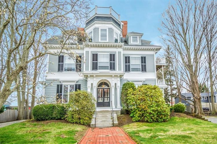 39 Broad St, Newburyport, MA 01950