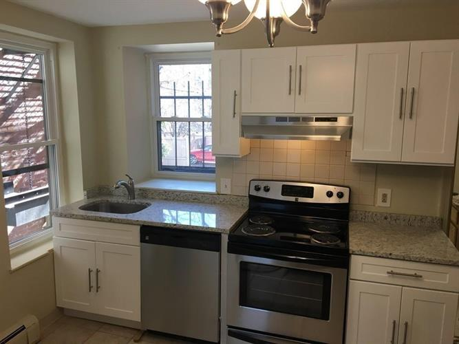 144 St Botolph St, Boston, MA 02115