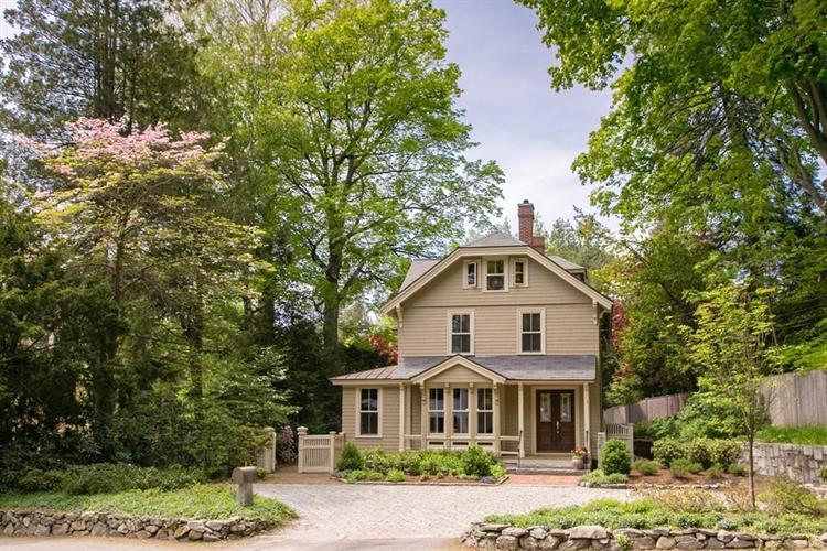 53 Monument Street, Concord, MA 01742