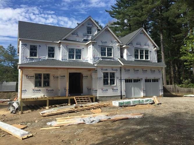 10 Normandie Road, Dover, MA 02030