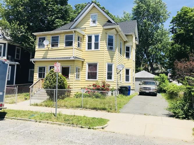 55 Mapledell St, Springfield, MA 01109