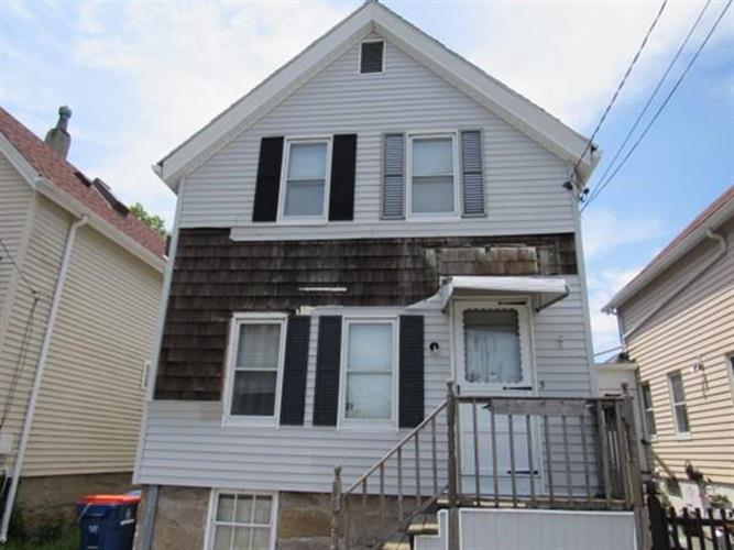5 Thatcher St, New Bedford, MA 02744