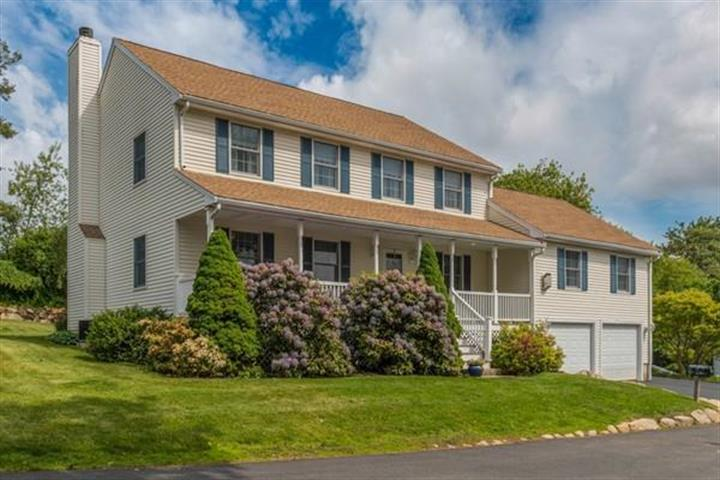 19 Winnegance Ave, Peabody, MA 01960