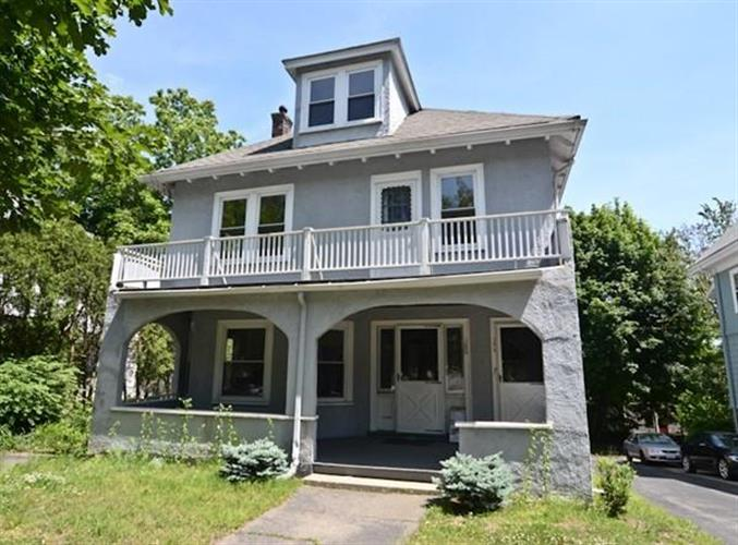180 Pleasant St, Arlington, MA 02476