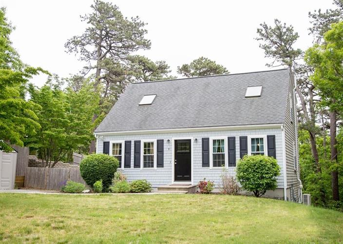 9 Pisces Ln, Plymouth, MA 02360