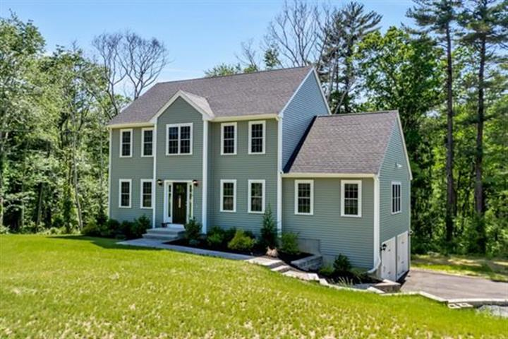 510 W Washington St, Hanson, MA 02341