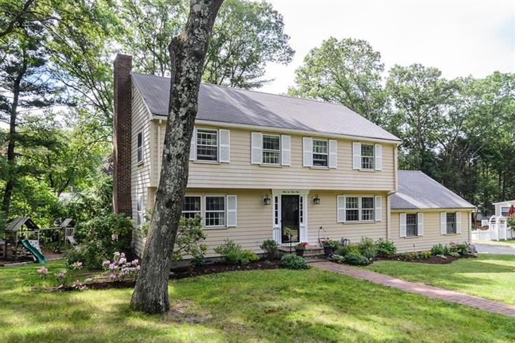 31 Haven Rd, Wellesley, MA 02481
