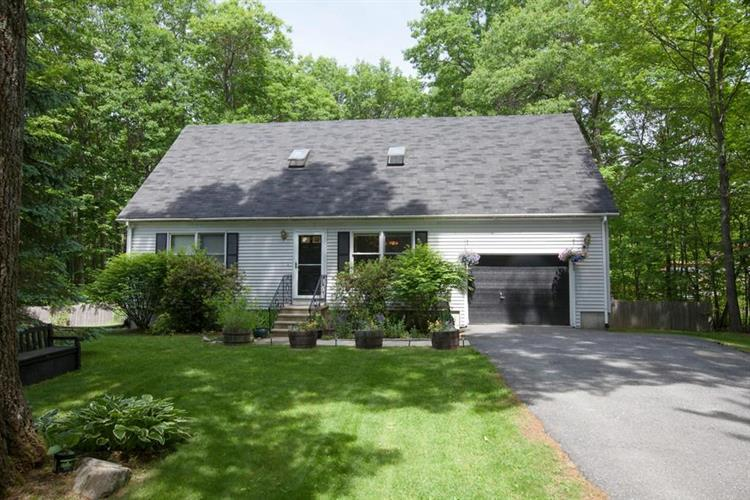 70 Barrows Rd, Worcester, MA 01609