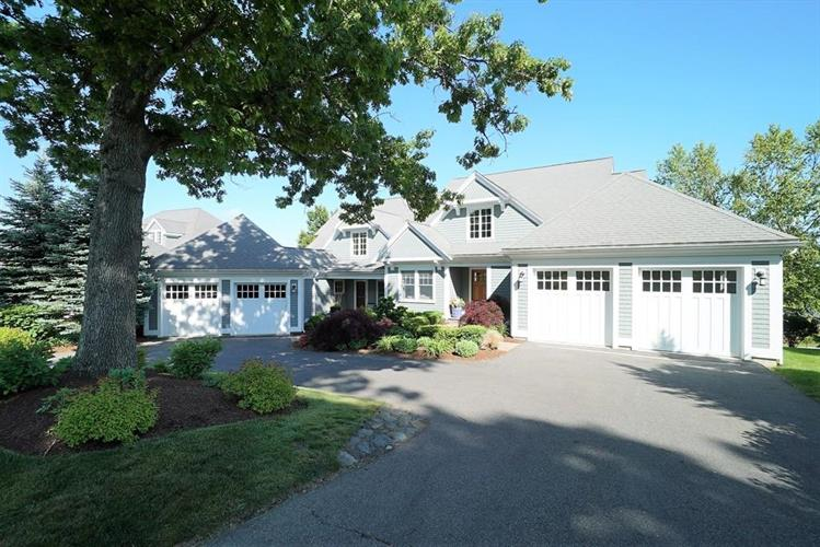 16 Buttonwood Lane, Ipswich, MA 01938