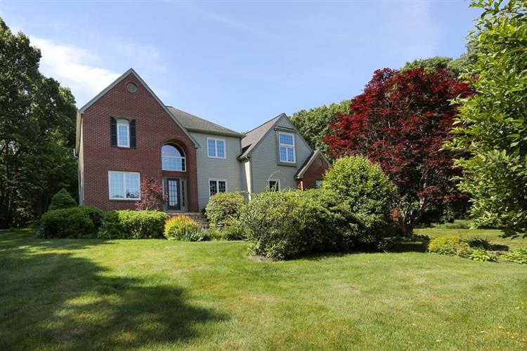 5 Country Lane, Southborough, MA 01772