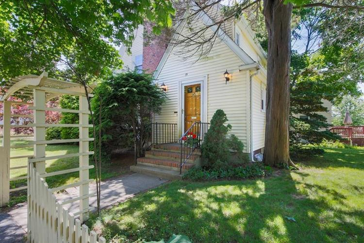 79 Claremont Ave, Arlington, MA 02476