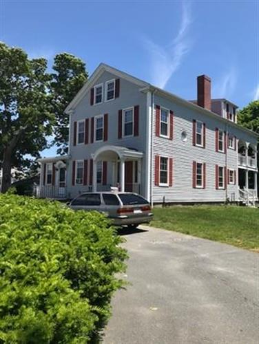 564 Dartmouth St, Dartmouth, MA 02748