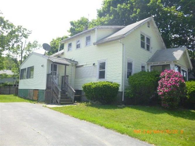 28 Trinity Ave, Worcester, MA 01605
