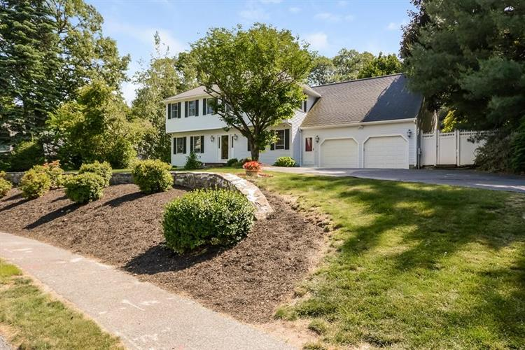 2 Bonnie Dell Ln, Shrewsbury, MA 01545