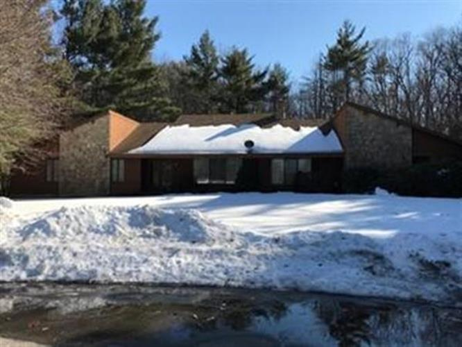 47 Crowningshield Dr, Paxton, MA 01612