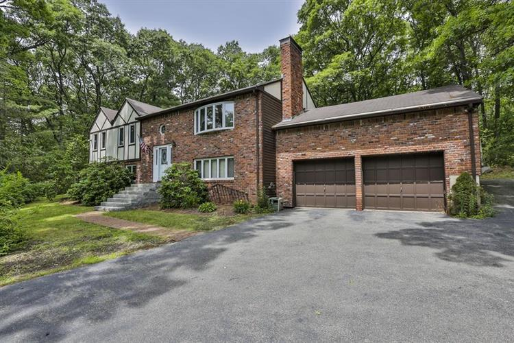 125 River St, Middleton, MA 01949
