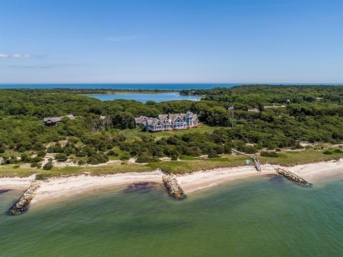 63 Smiths Point Rd, Yarmouth, MA 02673