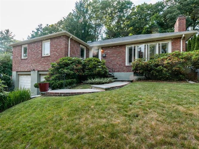 47 Lakeview Ave, Newton, MA 02460