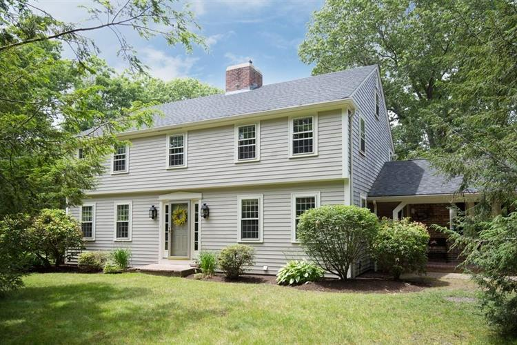 6 Massachusetts Road, Lakeville, MA 02347