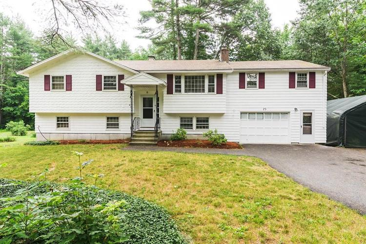 25 Spaulding St, Townsend, MA 01469