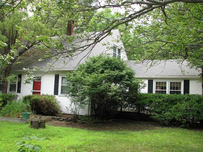 1 Lake Road, Ashburnham, MA 01430