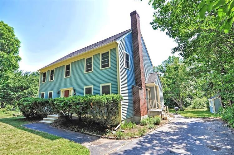 52 Bridge St, Medfield, MA 02052